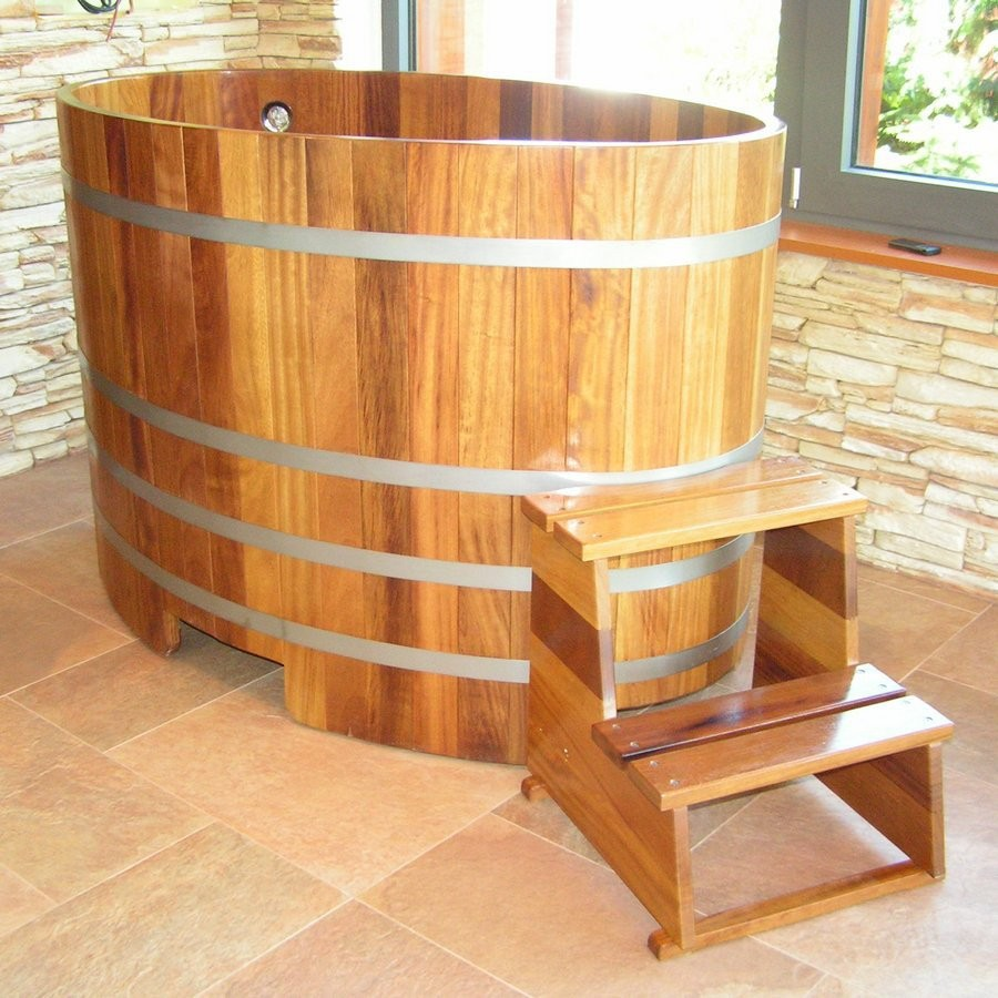 Купель для сауны и бани Blumenberg 130х79 лиственница TBL130/3